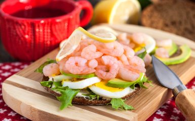 Sandwich with MARWI hand-peeled shrimp