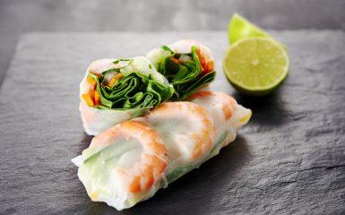 spring rolls with shrimps / vietnamese food